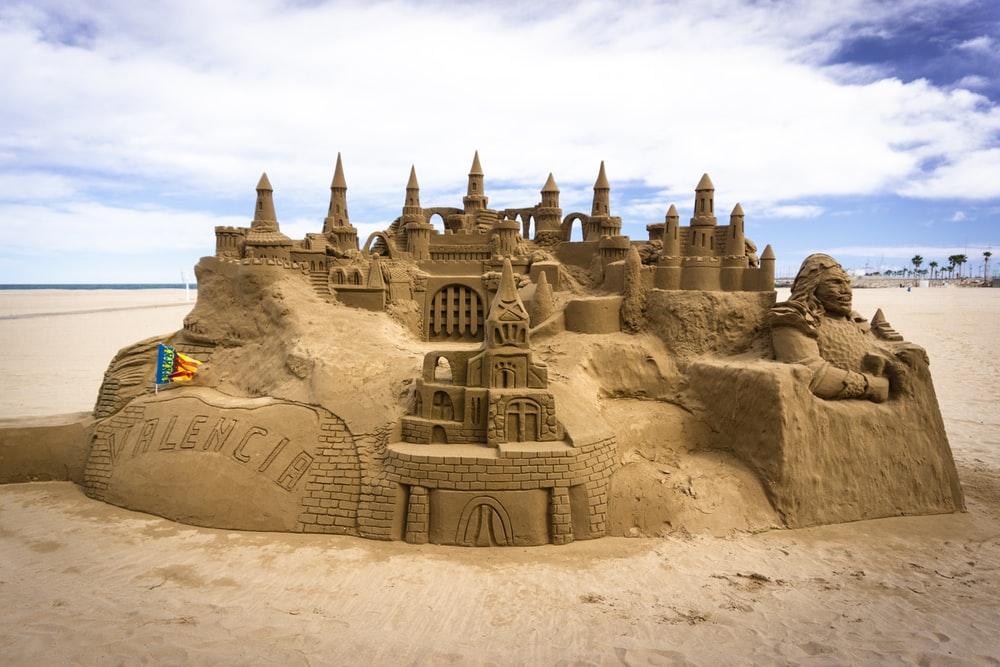 Fan facebook, toà lâu đài xây trên cát - Ngô Thế Vinh - Note