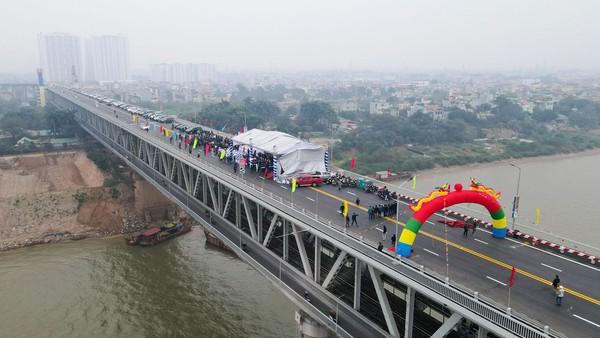 Cầu Thăng Long chính thức thông xe | Tài chính - Kinh doanh | Thanh Niên
